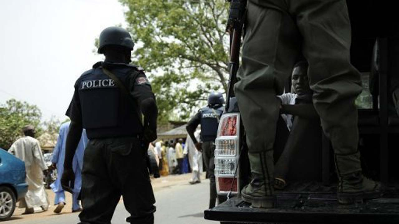 Police arrest 2 suspects at robbery scene in FCT