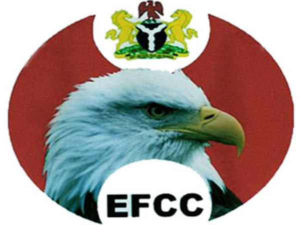 OSOGBO: EFCC arrests 2 brothers, 6 others, after many days siege