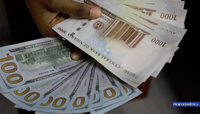 Naira exchanges at N472 to dollar at parallel market