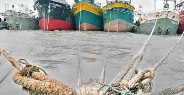 Lighter container ship sank off Chittagong with 152 containers on board