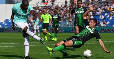 Lukaku, Martinez strike twice as Inter edge in seven-goal thriller