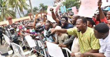 Protest: Modakeke youths reject choice of old man as new monarch