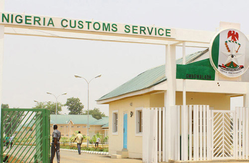 OYO: Uproar in Saki, as Customs officer, one indigene killed, over rice