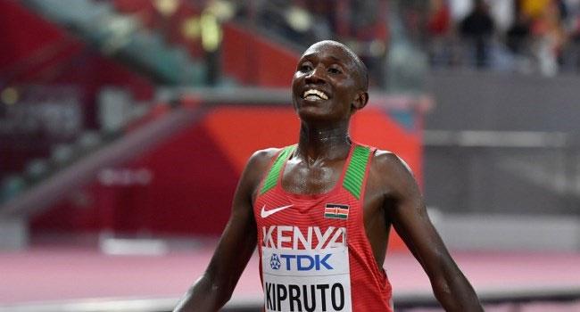 Kenya's Kipruto breaks world 10km record in Valencia