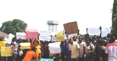 Primary school teachers protest over non payment of salary in Kaduna