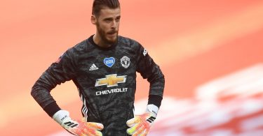 Leicester keeper Schmeichel defends under-fire De Gea