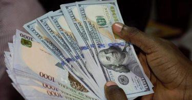 Naira gains N5, closes at N435 to dollar at parallel market
