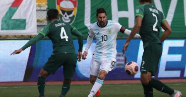 Late goal gives Argentina 2-1 win over Bolivia