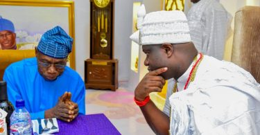Ooni hosts Obasanjo, begs #EndSARS protesters to retreat