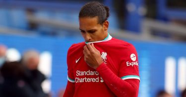 Liverpool's Van Dijk to undergo knee surgery