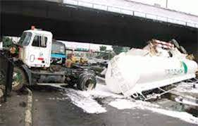 Petroleum tanker crushes 5 people to death in Ibadan