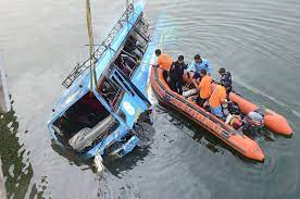 6 die, 16 injure after bus plunges into river in India